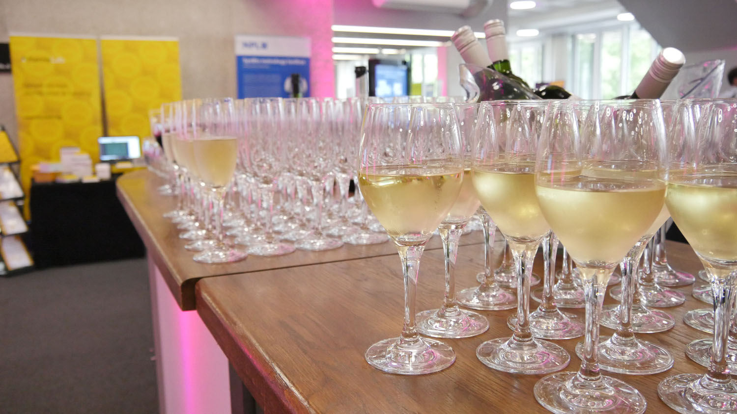 Champagne Reception, sponsored by Twist Bioscience